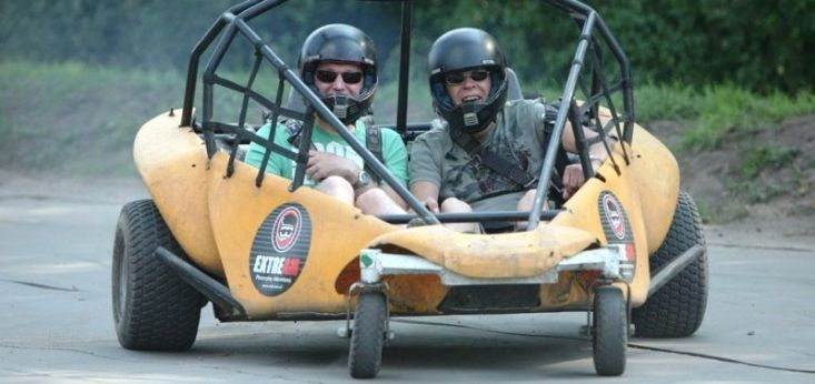 Buggy rijden op eigen parcours op Landgoed de Biestheuvel