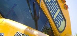 Amerikaanse schoolbus voor uniek vervoer gasten op Landgoed de Biestheuvel