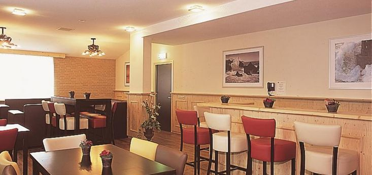 Moderne eetkamer op Landgoed de Biestheuvel