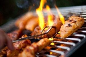 Bereid een heerlijke maaltijd op de barbecue op Landgoed de Biestheuvel