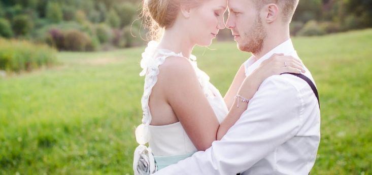 Intieme bruiloftceremonie op Landgoed de Biestheuvel