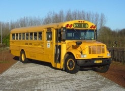Amerikaanse schoolbus als uniek vervoer op Landgoed de Biestheuvel