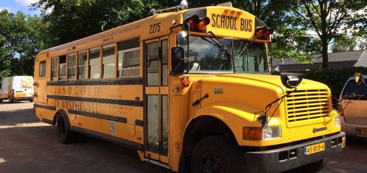 Amerikaanse schoolbus van Landgoed de Biestheuvel
