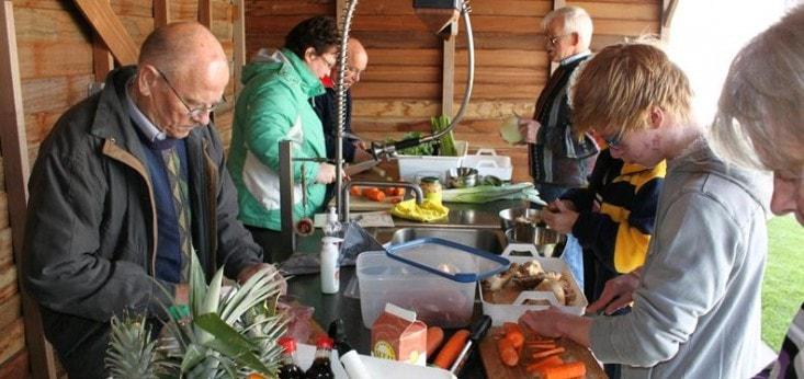 Buitenkeuken bij de kookworkshop Cooking Adventure bij landgoed de Biestheuvel